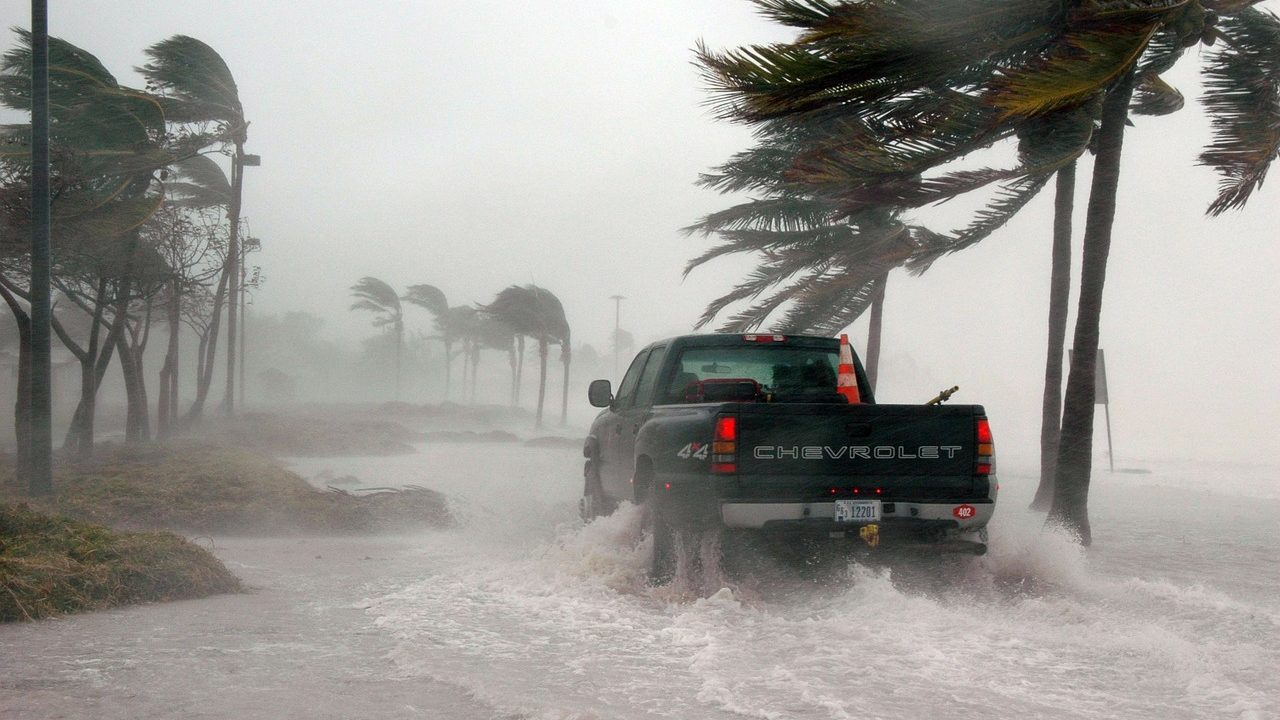 Image of truck in a heavy storm